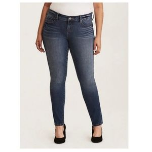 Torrid | NWT Premium Ultimate Stretch Skinny Jeans